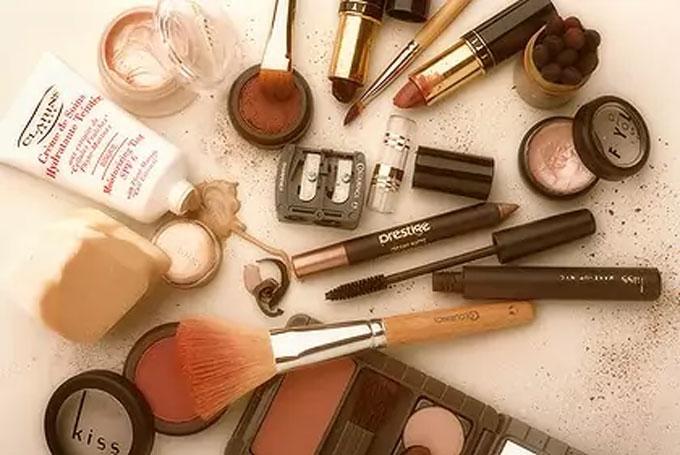 لیست انواع کرم های آرایش پوست