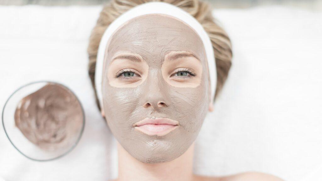 متعادل سازی و جذب چربی های اضافه پوست