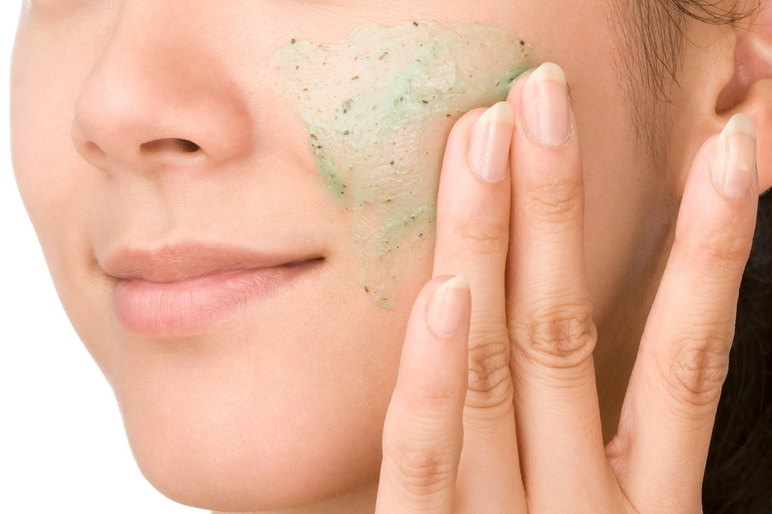 اسکراب یا لایه برداری چه فایده ایی برای پوست دارد؟