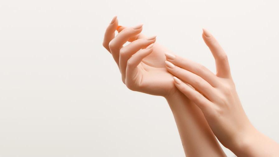 چه کسانی باید از محلول تقویت کننده ناخن استفاده کنند؟
