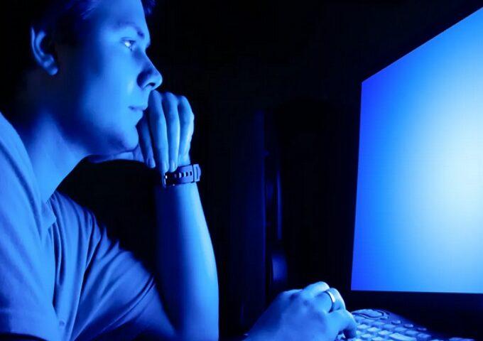 آیا نور آبی به سلامت شما آسیب می رساند؟