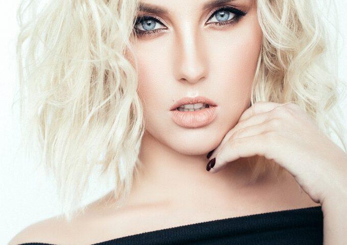 ریموور رنگ مو یا دکوپاژ مو چیست و نحوه استفاده از آن