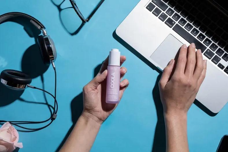 چگونه می توان از پوست در برابر آسیب احتمالی نور آبی محافظت کرد
