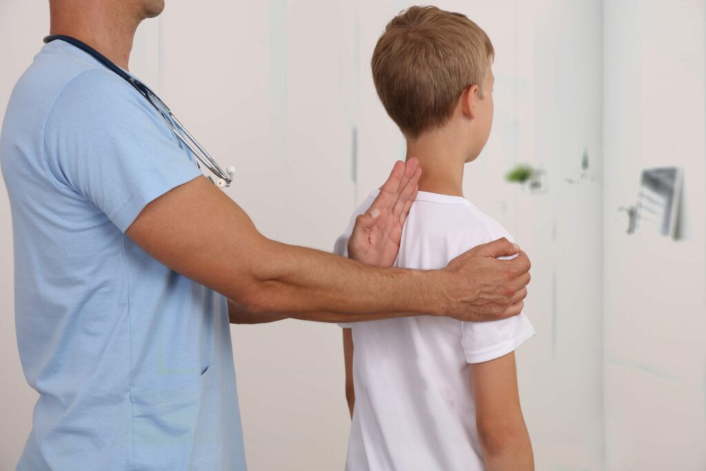 درمان اسکولیوز (اسکولیوزیس)