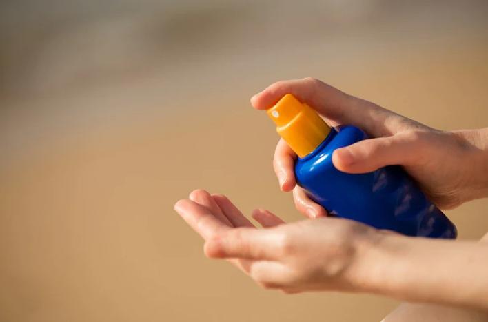 نظر سازمان غذا و داروی در مورد اسپری ضد آفتاب چیست؟