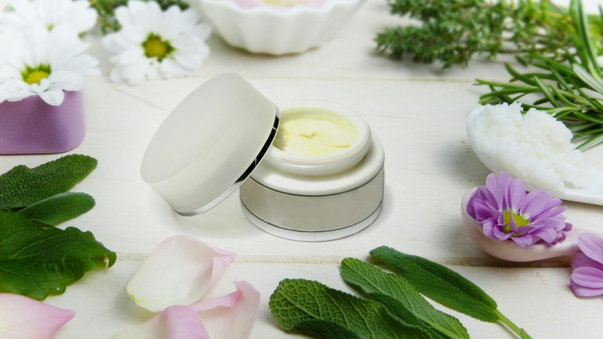 لوازم آرایش با ترکیبات ارگانیک