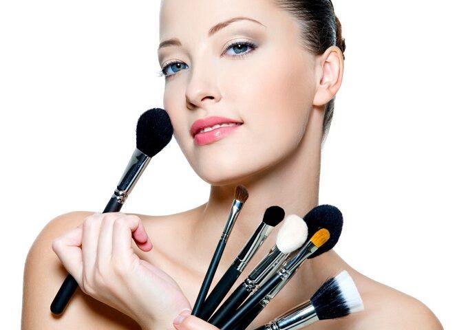 راهنمای خرید و معرفی انواع براش آرایشی