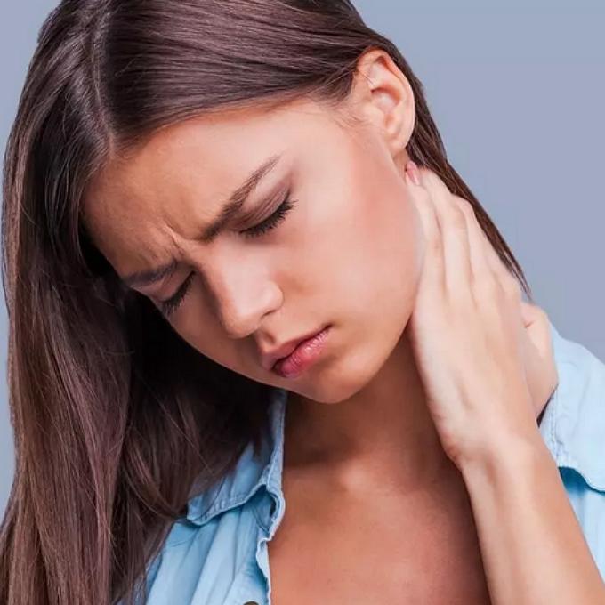 درمان انواع گردن درد و علت و علائم آن
